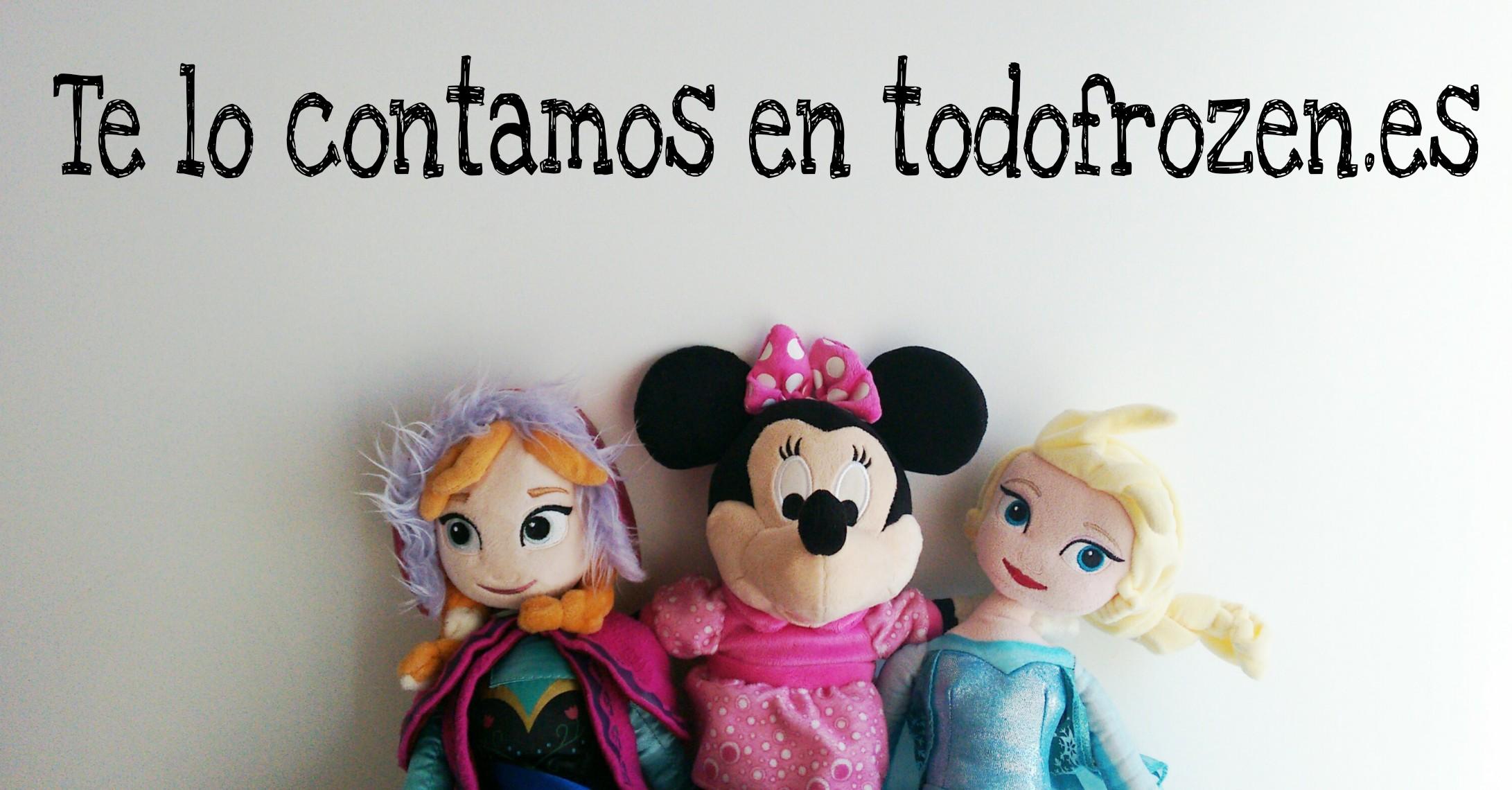 Elsa, Anna y Minnie de peluche juntas abrazándose